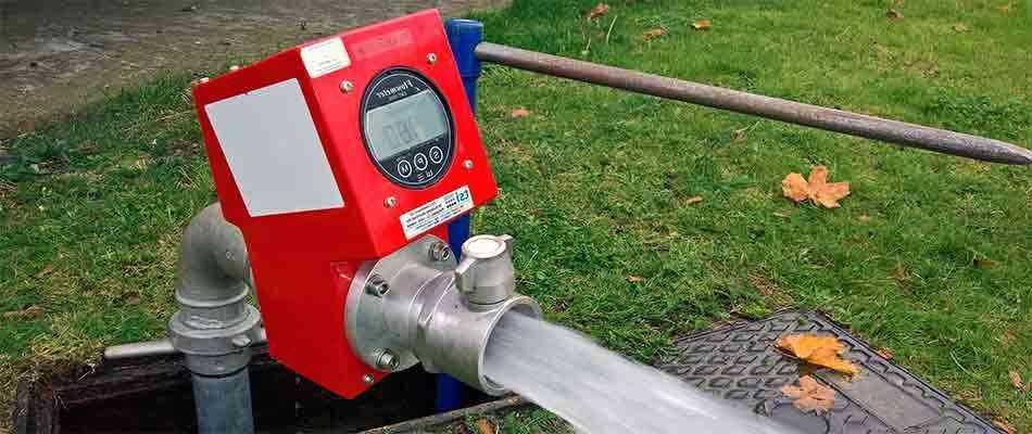 Испытание пожарных гидрантов в Москве